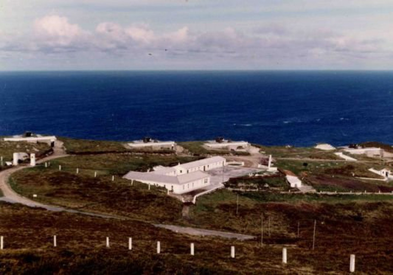 Vista general de la batería de Prior Norte en el  año 1977