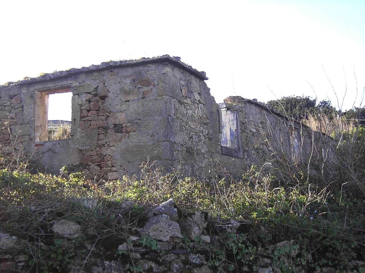 Covas - Vivenda derruída