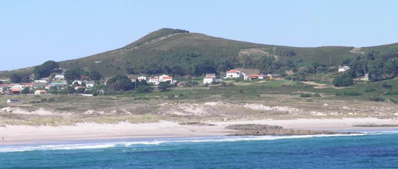 Praia de Santa Comba có Prioiro ó fondo